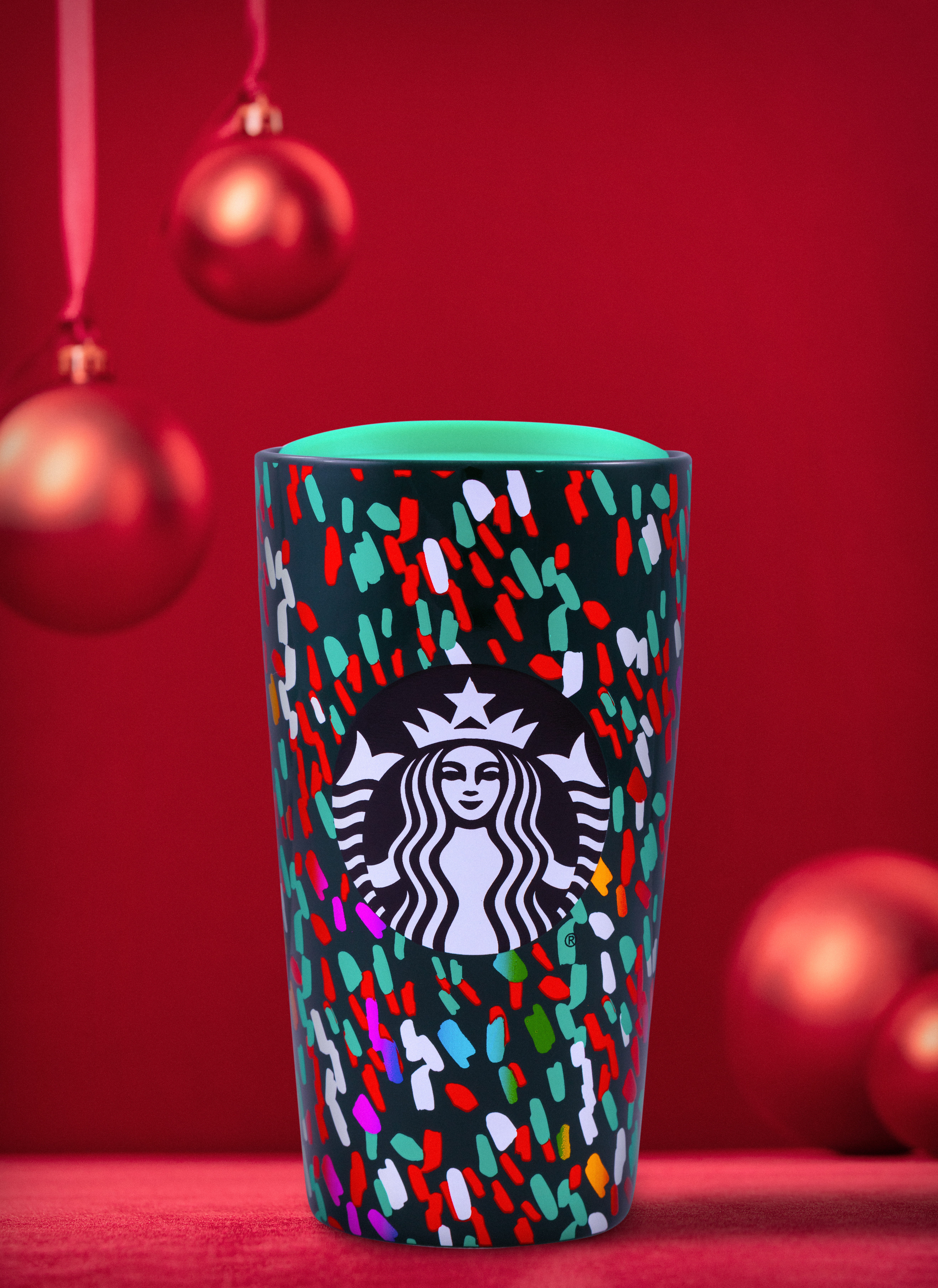 Starbucks Hours Christmas Day 2020 Starbucks shares a sneak peek of covetable gifts for 2019 holiday