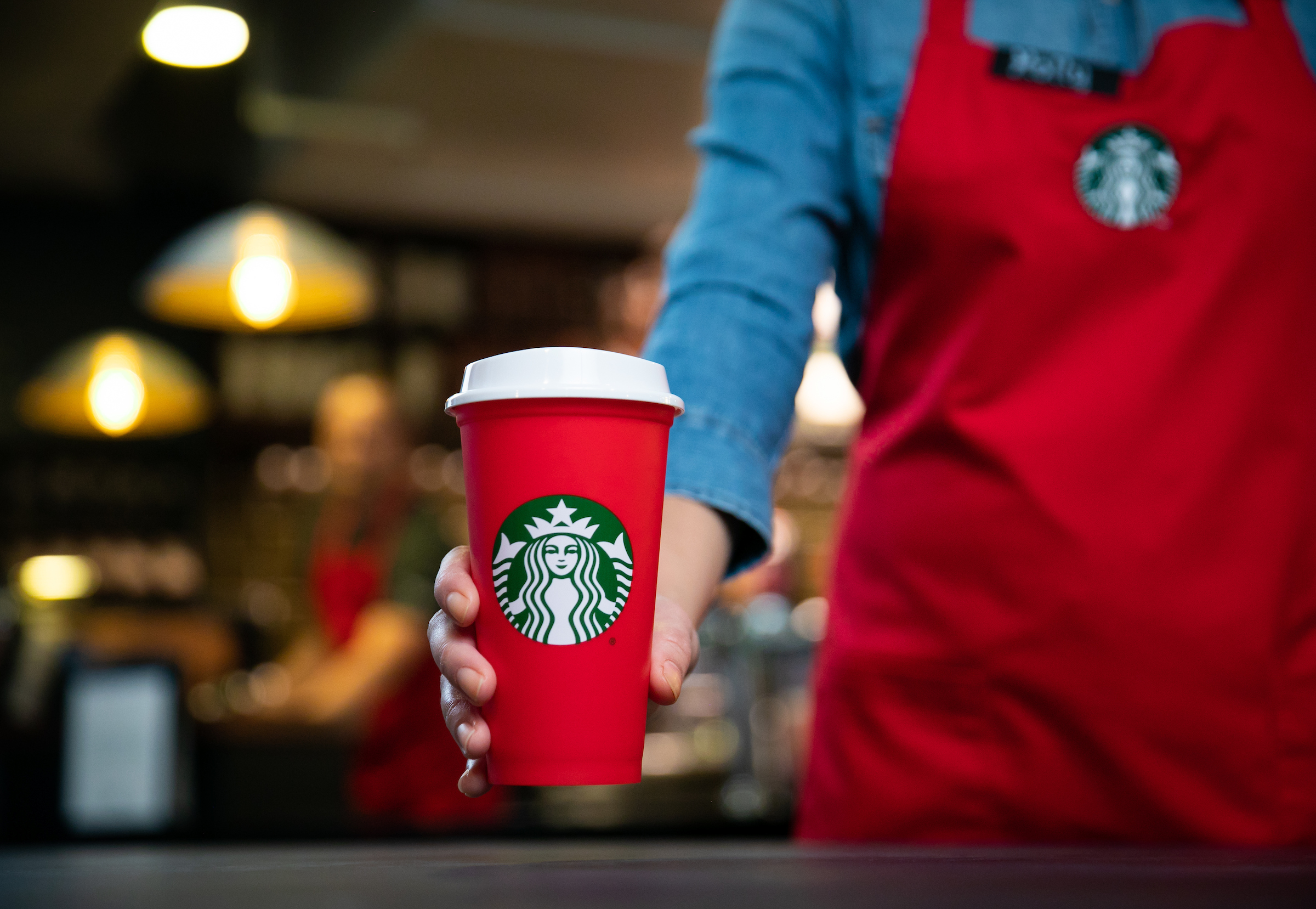 Starbucks Reusable Cup Is Given A Make Over For Christmas