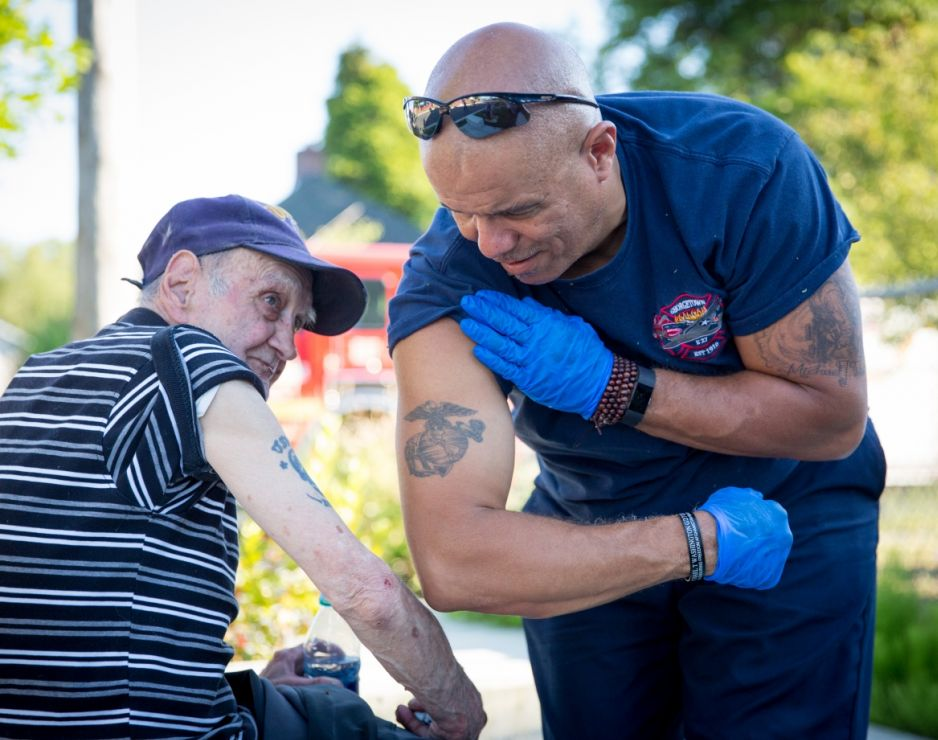 Upstanders: The Firefighters' Rescuer